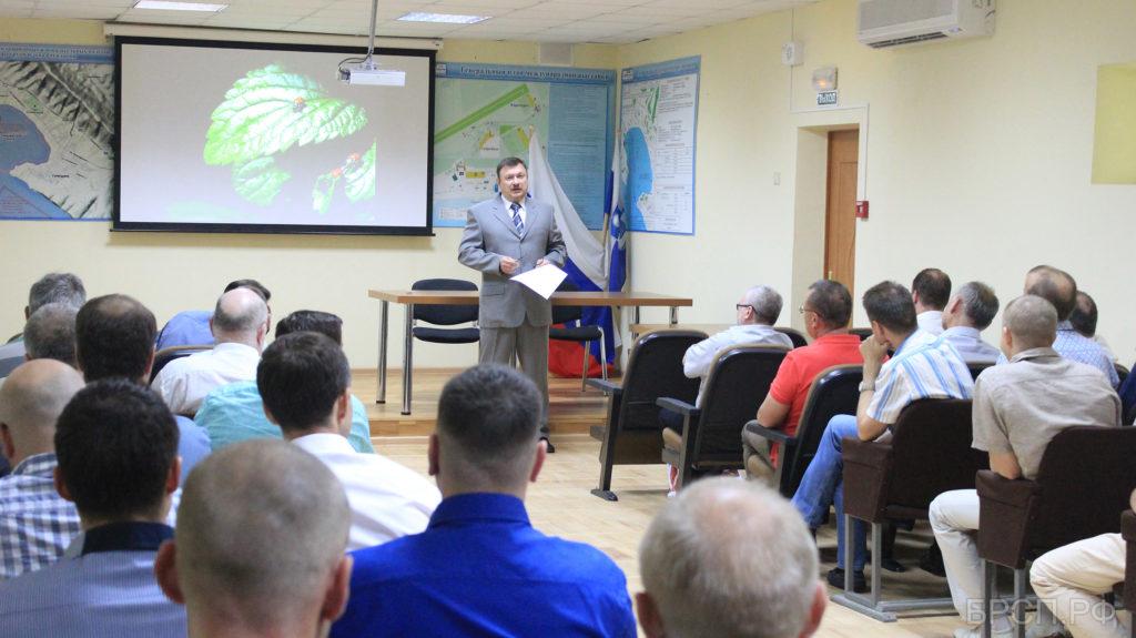 Д.т.н, профессор, академик РАЕН А. В. Крупенин открывает конференцию